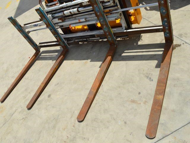 unknown cascade double pallet hydraulic forks to suit jcb telehandler 585431 001