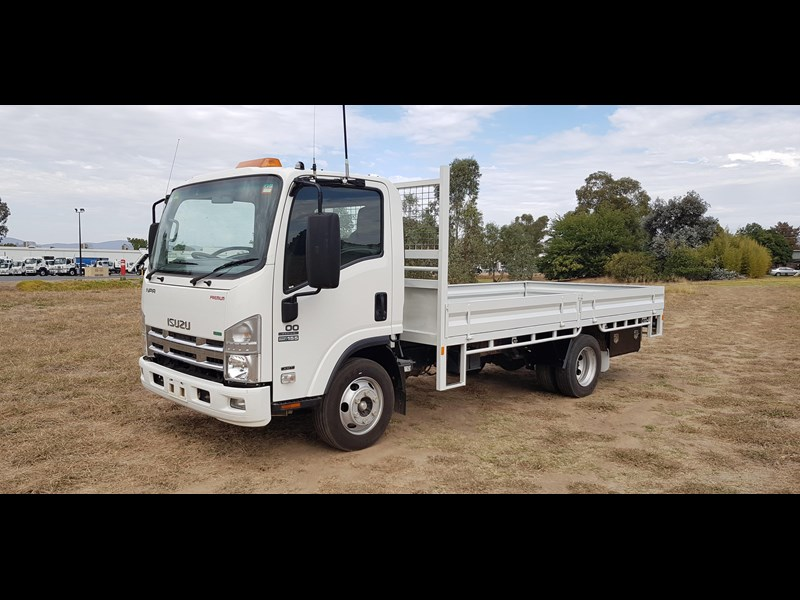 isuzu npr300 medium premium 569213 013