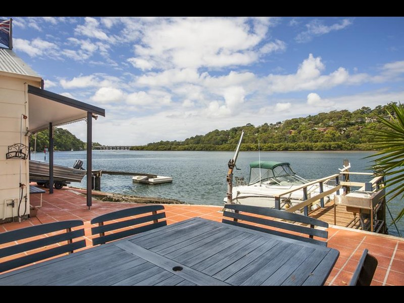 stunning sydney deep water front opportunity 590211 005
