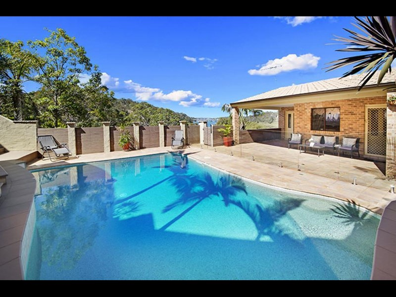 stunning sydney deep water front opportunity 590211 007