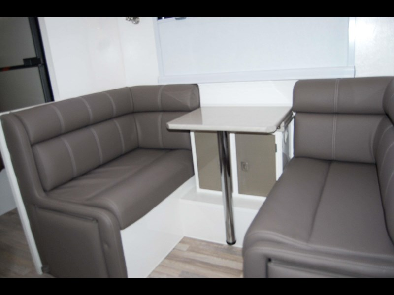 design rv forerunner 3 19'6 470679 027