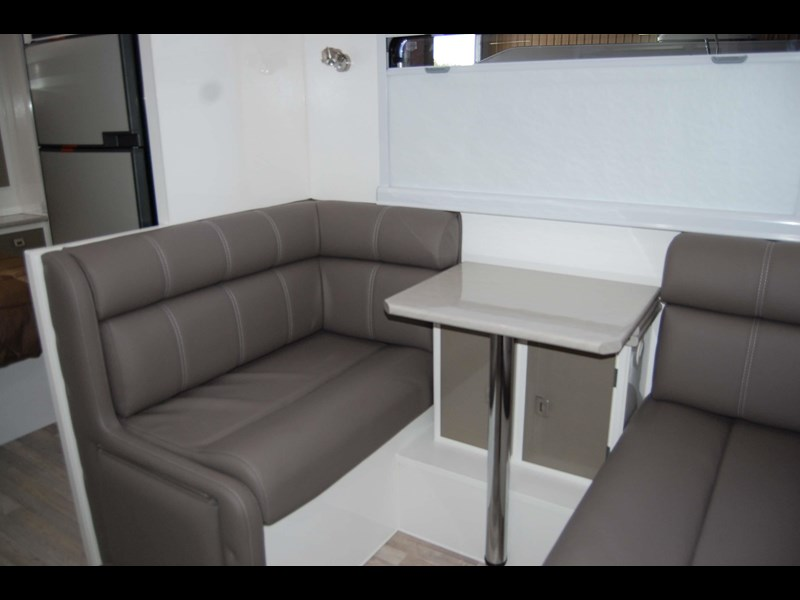 design rv forerunner 3 19'6 470679 031