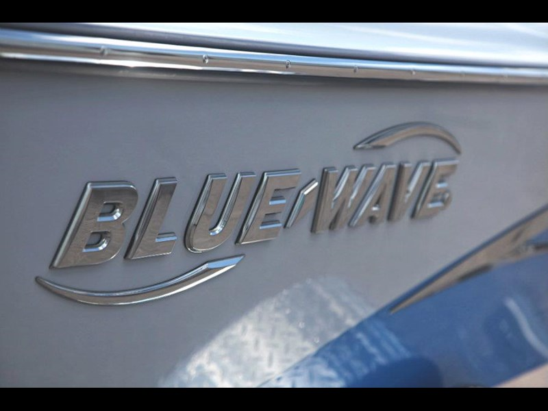 blue wave 2000 pure bay centre console 547574 023