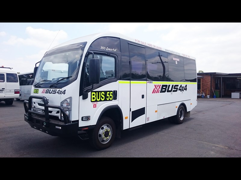 i-bus isuzu nps 300 592517 001