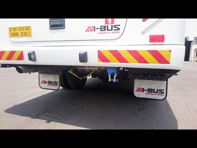 i-bus isuzu nps 300 592517 055