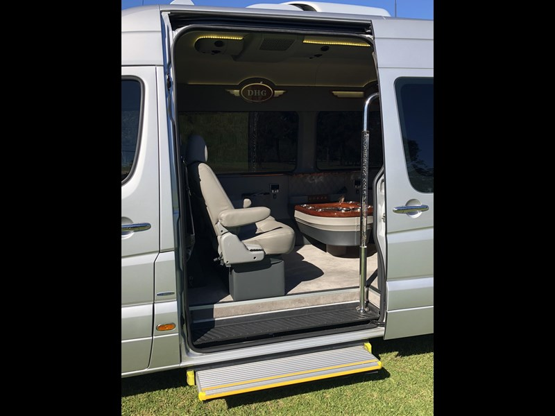 mercedes-benz sprinter 593767 005