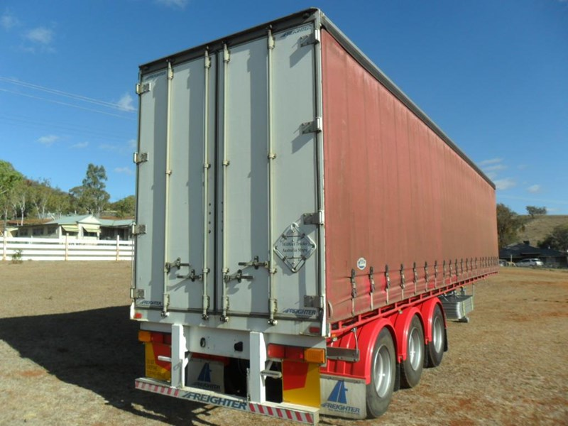 maxitrans 22 pallet refrigerated curtainsider 601019 013
