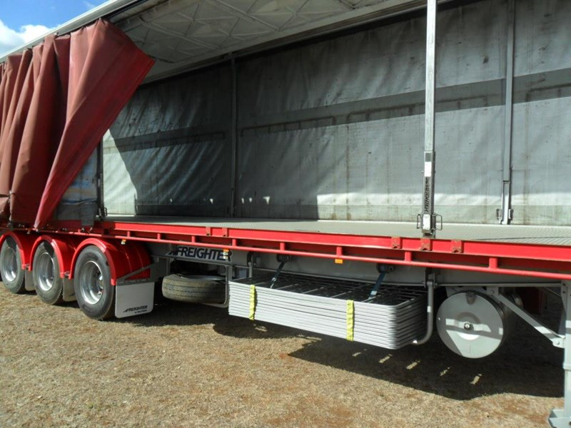 maxitrans 22 pallet refrigerated curtainsider 601019 011