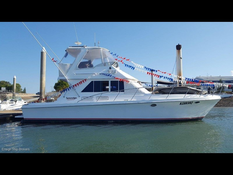 sovereign 4000 flybridge cruiser 602084 001