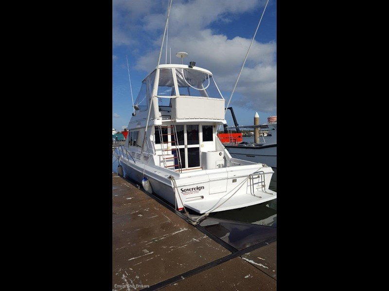 sovereign 4000 flybridge cruiser 602084 021