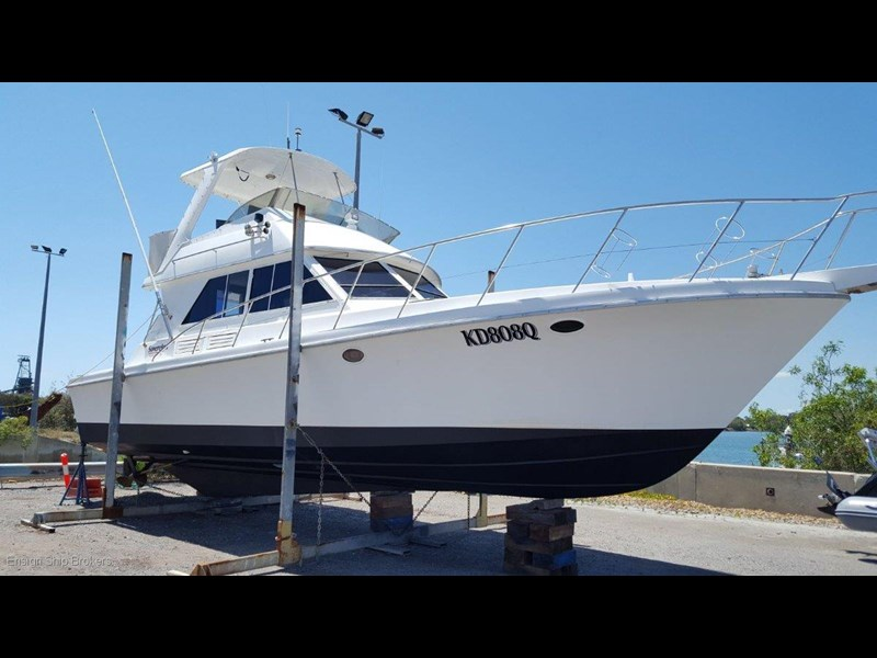 sovereign 4000 flybridge cruiser 602084 007