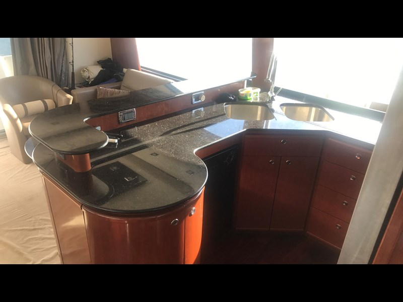 meridian 580 pilothouse 512386 067
