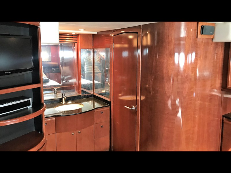 meridian 580 pilothouse 512386 035