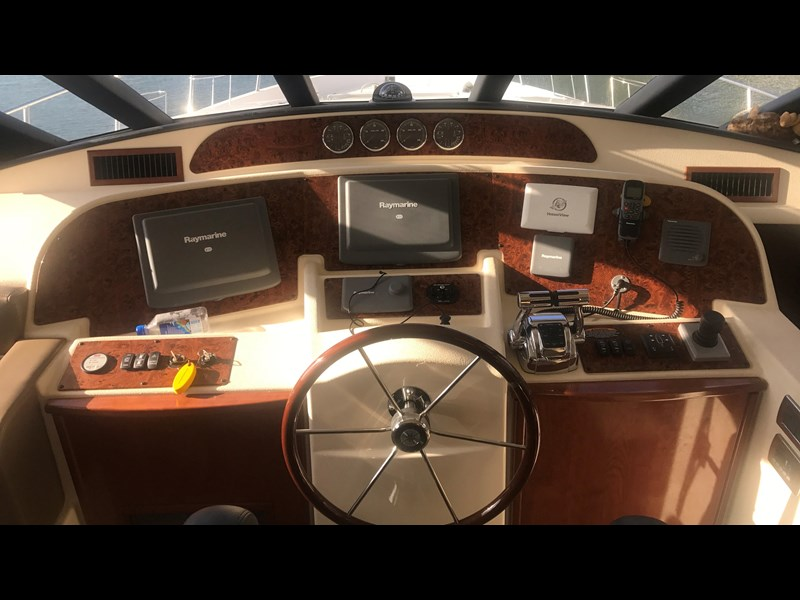 meridian 580 pilothouse 512386 025