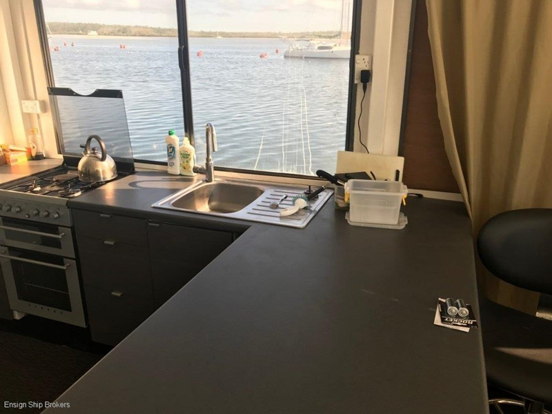 custom custom bridgedeck houseboat 45' 606601 033