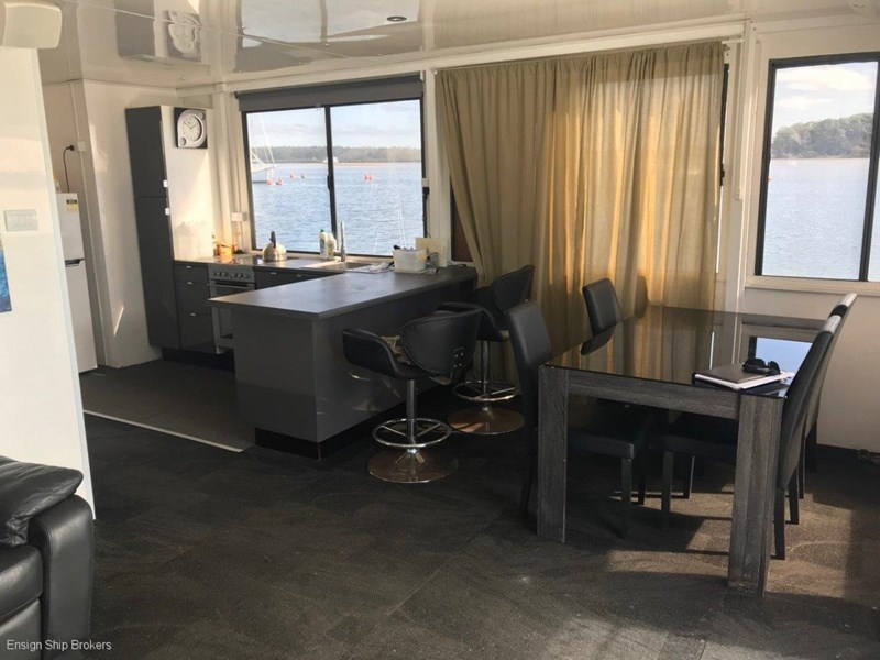 custom custom bridgedeck houseboat 45' 606601 009