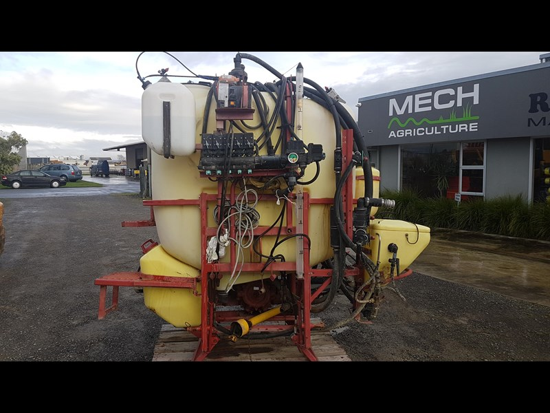 hardi 1000l 3ptl sprayer 606721 005