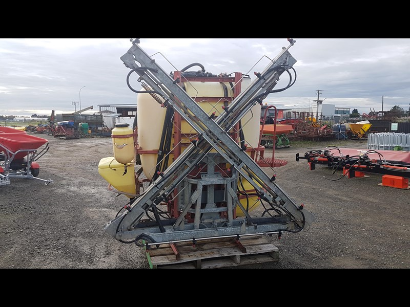 hardi 1000l 3ptl sprayer 606721 007