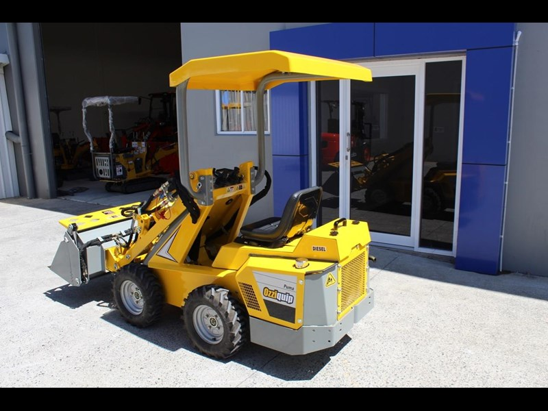 ozziquip puma 21hp diesel water cooled 4 in 1 bucket italian casappa hydraulic pumps 607195 007