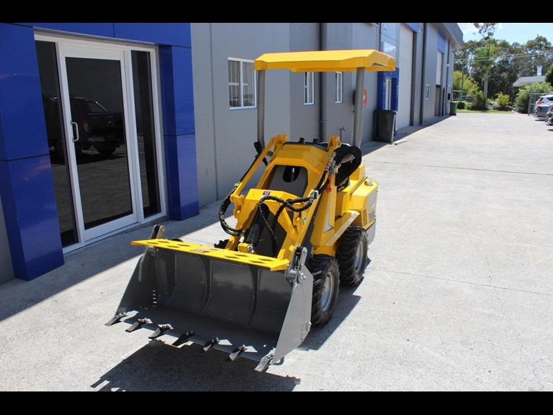 ozziquip puma 21hp diesel water cooled 4 in 1 bucket italian casappa hydraulic pumps 607195 001