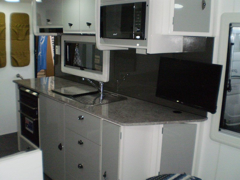 "colorado caravans 21'6"" summit ii  ensuite 353210 023"