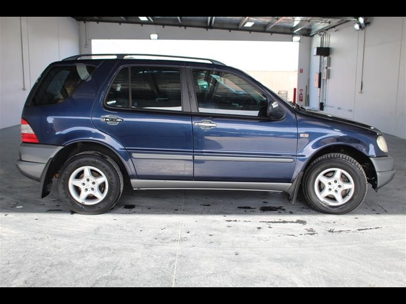 ml320 2001 mercedes benz manual user guide manual that easy to read u2022 rh mobiservicemanual today 2001 Mercedes-Benz ML320 Review 2001 Mercedes-Benz ML320 Review