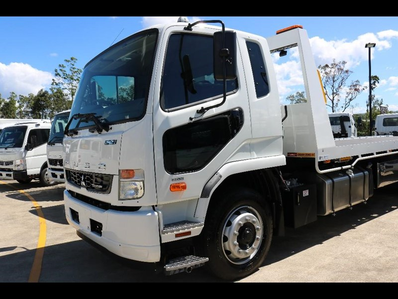 fuso fighter 609142 069