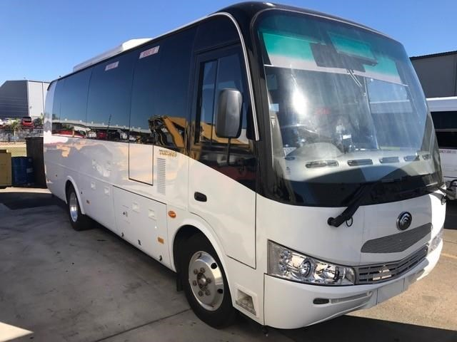 yutong 22 seat mini coach 494759 005