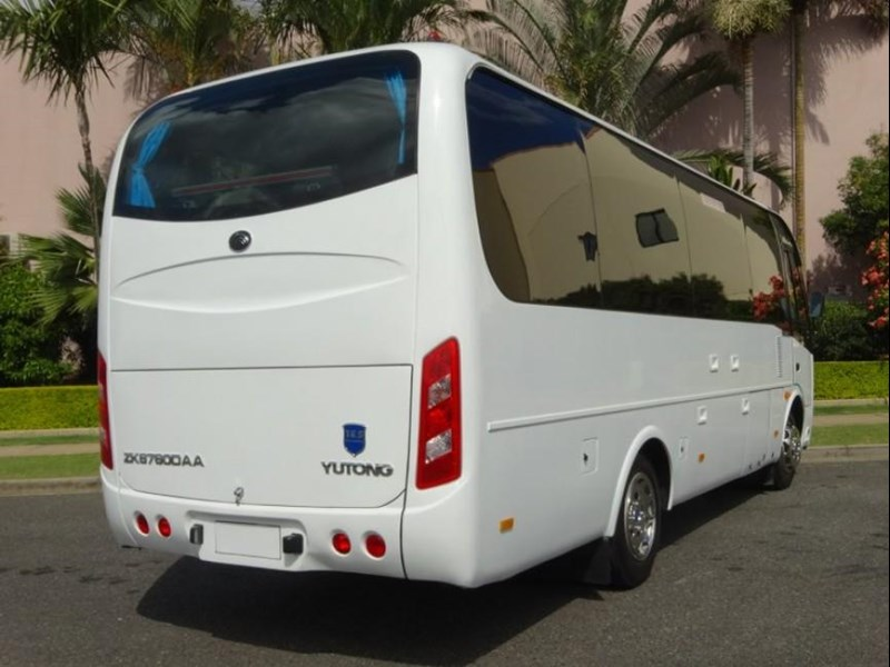 yutong 27 seat mini coach 494767 005