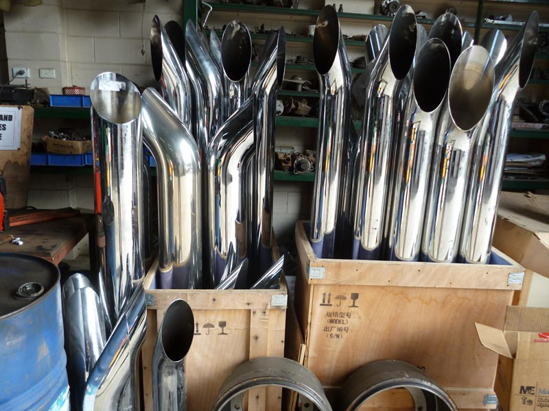"exhaust pipes 5""x 6""x 7"" 620865 003"