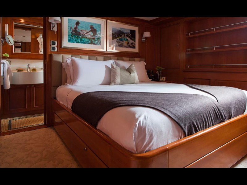 kingship full displacement motor yacht 621773 029