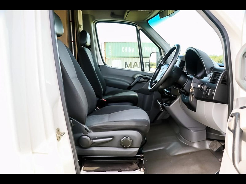 volkswagen crafter 4 berth platinum beach 562610 007