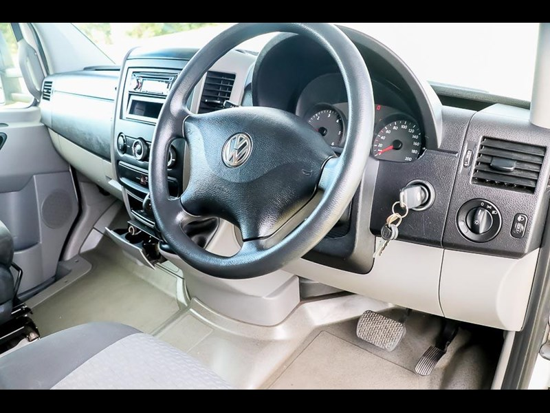 volkswagen crafter 4 berth platinum beach 562610 009