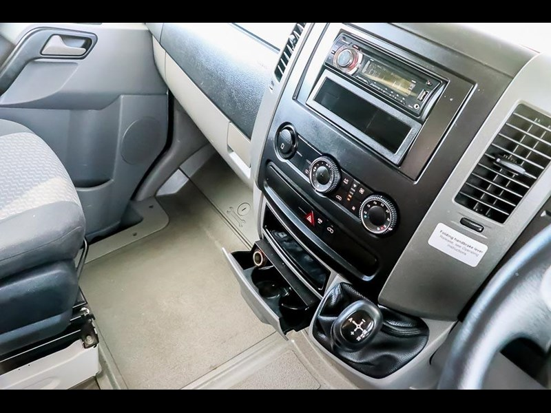 volkswagen crafter 4 berth platinum beach 562610 015