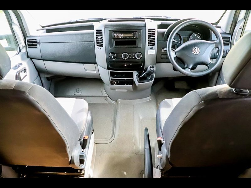 volkswagen crafter 4 berth platinum beach 562610 041