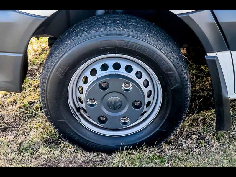volkswagen crafter 4 berth platinum beach 562610 073