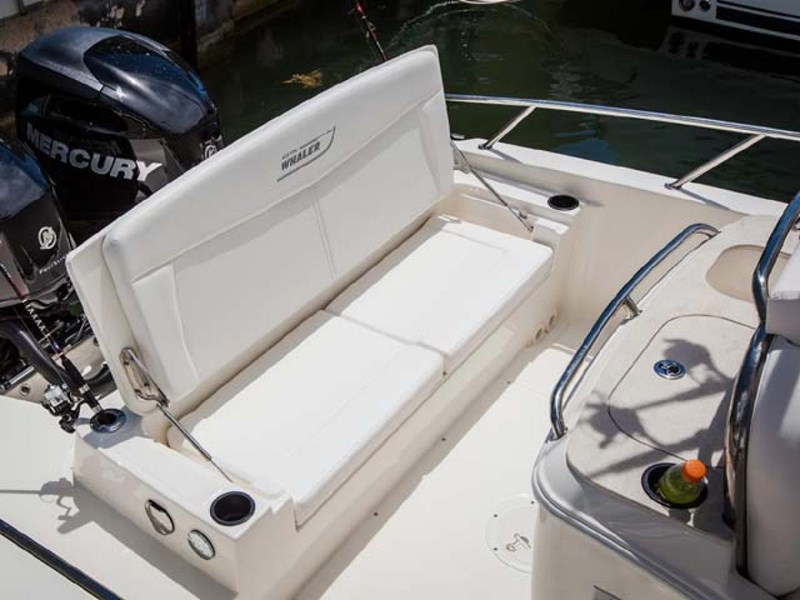 boston whaler 270 dauntless 294226 031