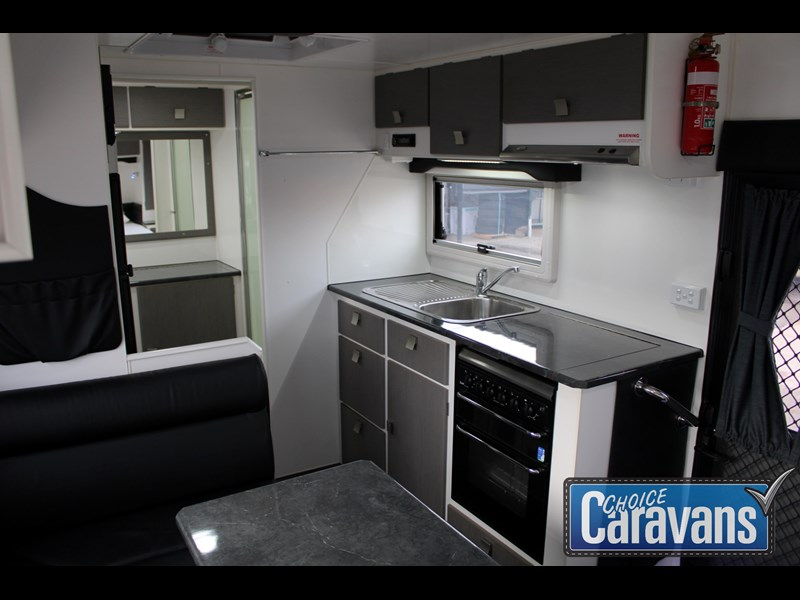 retreat caravans montague - fraser 180c 625446 027