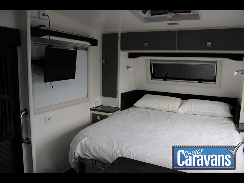 retreat caravans montague - fraser 180c 625446 033