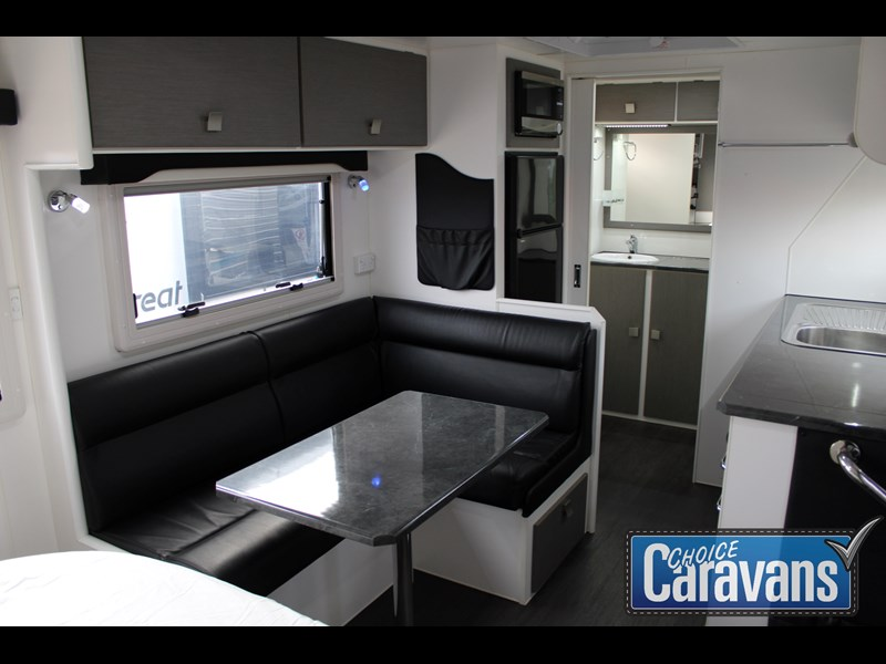 retreat caravans montague - fraser 180c 625446 037