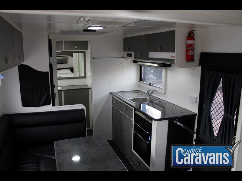 retreat caravans montague - fraser 180c 625446 039