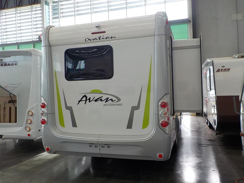 avan ovation m7 626677 005
