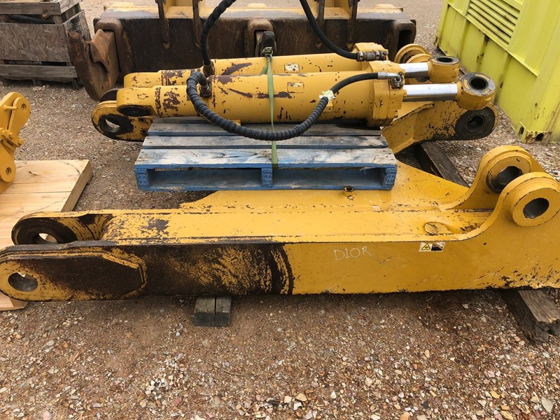 caterpillar d10r / t multi shank ripper group 630362 007