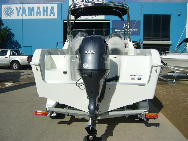 haines hunter 565 offshore 630688 005