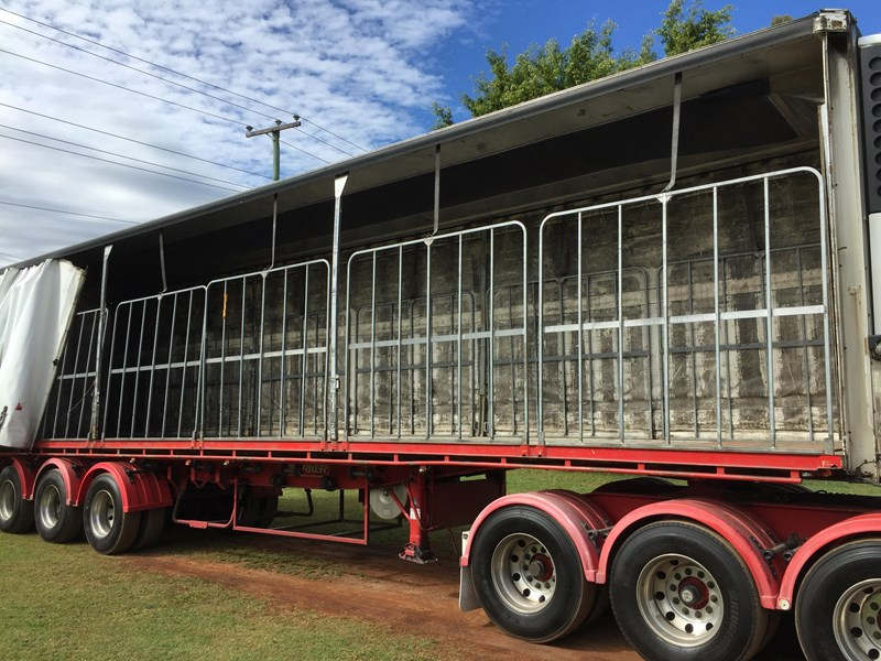 barker b-double refrigerated curtainsider 631086 039