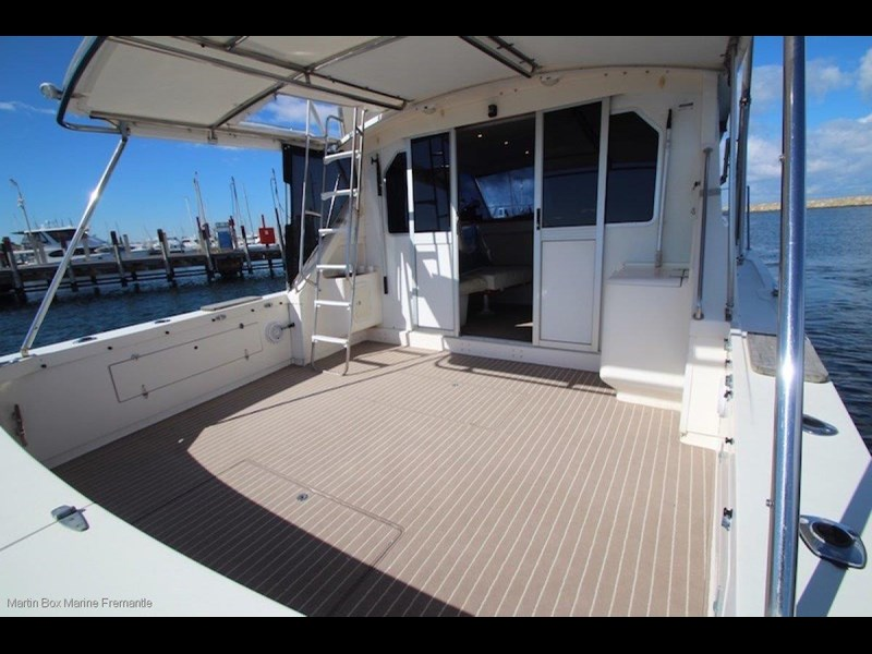 caribbean 35 flybridge cruiser 633415 021