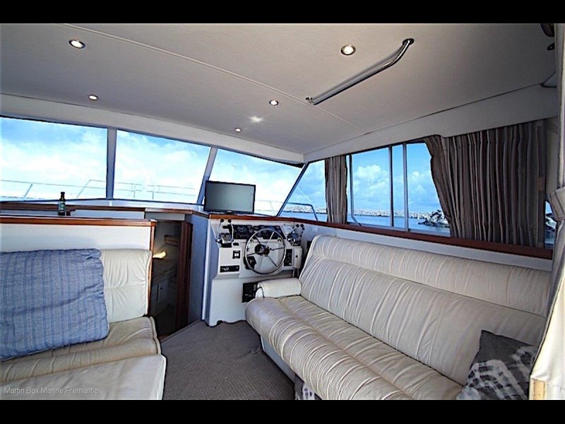caribbean 35 flybridge cruiser 633415 025