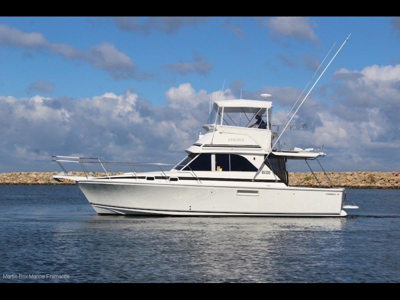 caribbean 35 flybridge cruiser 633415 001