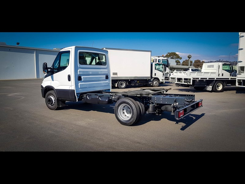 iveco unknown 633720 009