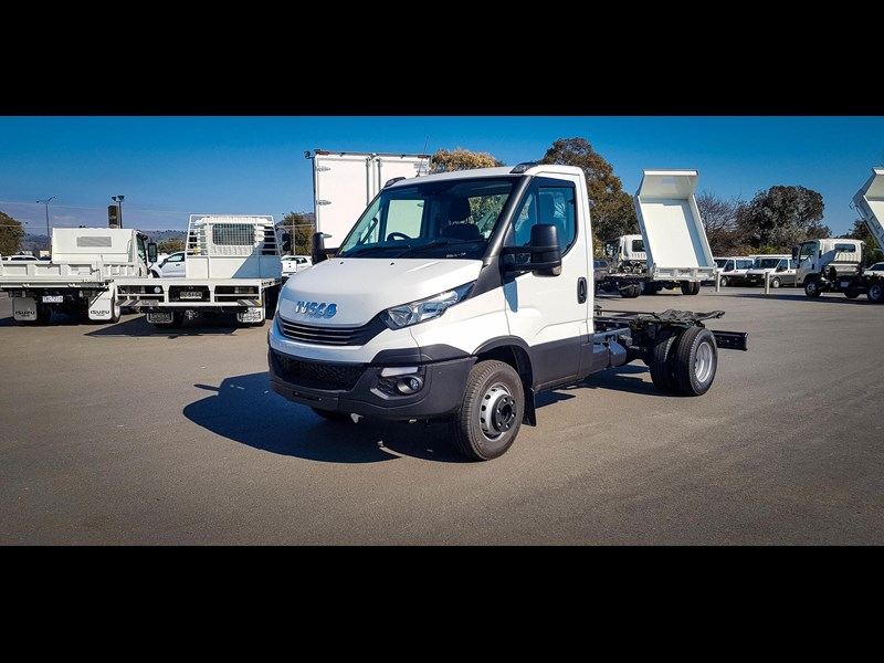 iveco unknown 633720 011